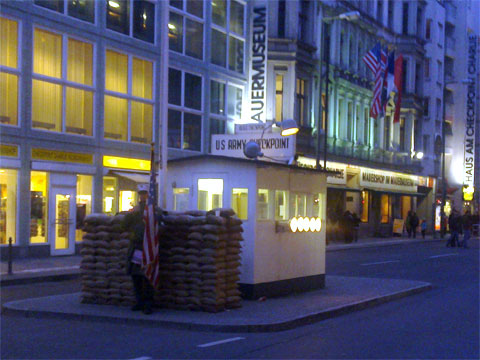 photo of Checkpoint Charlie, Berlin