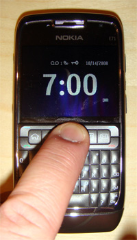 photo of clock on Nokia E71