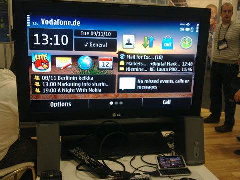 photo of Nokia E7 hooked up to an HDTV