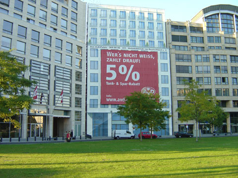 photo of Full-Size Building Scaffold Promotion in Berlin