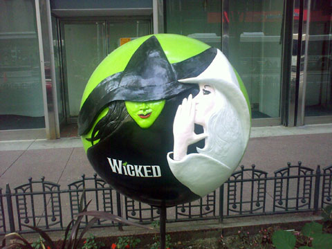 Wordless Wednesday - Wicked Globe in Chicago